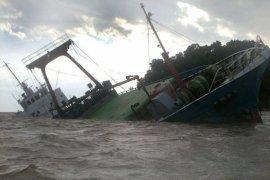 Kapal Kandas di Pemangkat