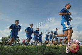 Persib Bandung Taklukkan Barito Putra 2-0