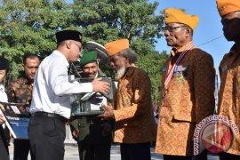 Semen Indoesia bedah rumah veteran di NTT