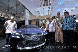 Lexus Lady Raih Miss Autoshow GIIAS 2018