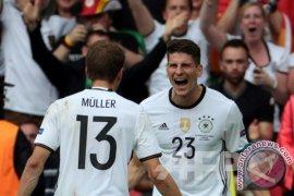 Penyerang Jerman Mario Gomez Bergabung Dengan Wolfsburg