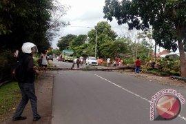 Hujan badai masih berpotensi landa Kota Bengkulu