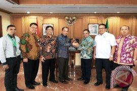 Direksi BPJSTK Temui Gubernur dan Pangdam Pattimura
