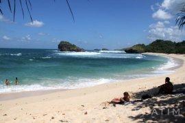 Turis Jepang Tewas Tenggelam di Pantai Watukarung Pacitan