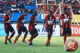 Persipura Jayapura Bantai Persela Lamongan 5-0