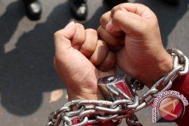 Polisi ringkus dua pencuri pura-pura jadi pemulung