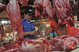 Legislator Dukung Sintang Datangkan Daging Beku