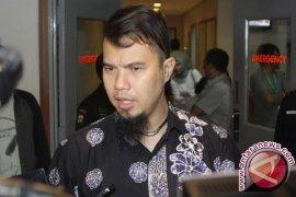 Ahamd Dhani jalani sidang perdana di PN Surabaya