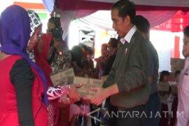 Presiden Jokowi Tinjau Rumah Pemulihan Gizi di Situbondo