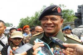 Presiden dan Panglima Nonton Film G30S/PKI