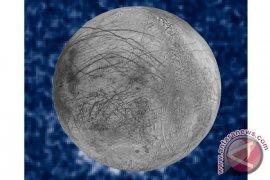 Hubble Amati Bukti Adanya Uap Air di Bulan Yupiter