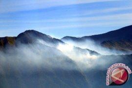 Jalur pendakian Rinjani ditutup sementara pascagempa
