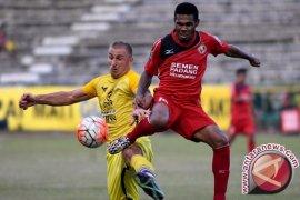 Semen Padang Bungkam Bali United 3-0