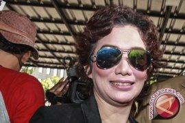 Reza laporkan Gatot Brajamusti ke polisi karena menipu