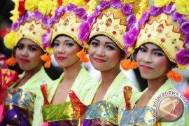 Kayong Utara Beri Penghargaan Penari Sail Karimata