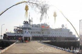 Pelabuhan Tanjung Wangi Pertama Kali Disandari Kapal Pesiar