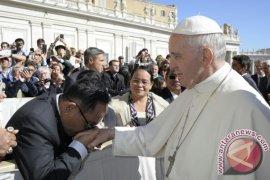 Bupati Sekadau Bertemu Paus Fransiskus