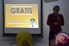 "Hidayat Arsani Luncurkan Program ""Mandiri Bangun Negeri"""