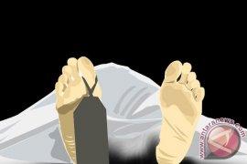 Pasangan suami isteri tewas diduga bunuh diri ditemukan mengenaskan di persawahan