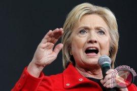 FBI Periksa Dokumen Palsu Yang Menargetkan Kampanye Clinton
