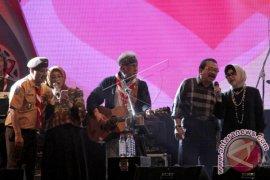 "BNN Sosialisasikan ""Stop Narkoba"" di Konser Iwan Fals"