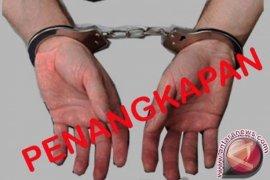 Ditresnarkoba Polda Jambi tangkap empat pengedar sabu, satu oknum PNS