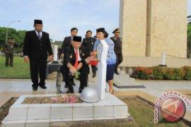 Gubernur Kaltim Pimpin Upacara Hari Pahlawan