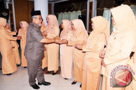 Gusti Ramlana Kukuhkan Dharma Wanita Persatuan Mempawah