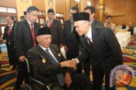 Gubernur Kukuhkan Direksi dan Komisaris BUMD Kaltim