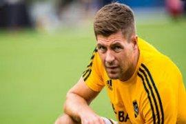 Steven Gerrard Umumkan Gantung Sepatu