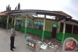 Waduh, Ratusan Bangunan Kelas Bekasi Rawan Ambruk