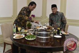 Presiden Makan Siang Bersama Zulkifli Hasan