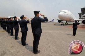 Wow, 900 Pilot Menganggur