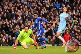 City dan Chelsea didakwa karena gagal kendalikan pemain