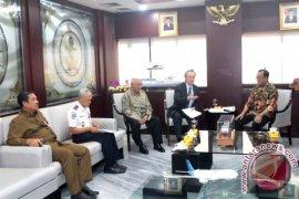 Menhub Undang Gubernur Kaltim dan PT Kereta Api Borneo
