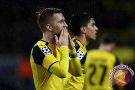 Dortmund Diimbangi 10 Pemain Freiburg