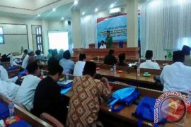 Pesantren Al-Hikam Dorong Santri Dapatkan Beasiswa