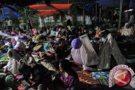 Kementerian PUPR bagikan tenda untuk korban gempa