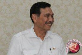 Menteri Luhut Tegaskan Tuntaskan Karang Raja Ampat