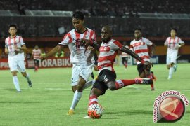 Madura United Taklukkan Perseru 7-1