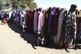 23 orang tewas terinjak-injak berebut makanan dan pakaian