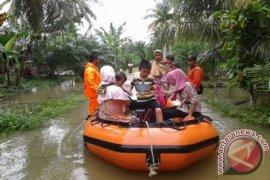 Tiga desa di Aceh Selatan terisolir dikepung banjir