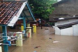 Puluhan rumah di Palabuhanratu terendam banjir bandang