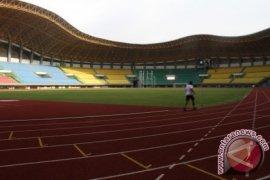 Polrestro Bekasi tiadakan layar tancap di stadion