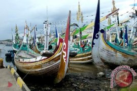Sampan Fiber jadi Pilihan Pemkab Jembrana Bantu Nelayan