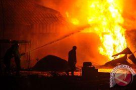 Truk BBM terbakar, 50 orang meninggal dunia