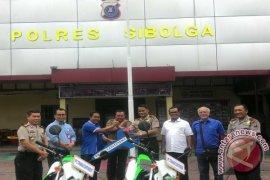 Trans Continent Salurkan CSR ke Polres Sibolga