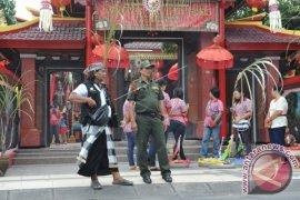 Pecalang Terlibat Pengamanan Imlek Di Bali