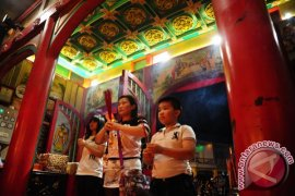 Turis Tiongkok Habiskan 67,3 Miliar Dolar As Selama Imlek