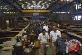 Pembuatan Kapal Cepat Rudal 60 Meter